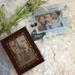 """Set of 2 Decorative Picture Frames for 4x6"""" pics"""